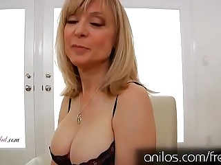 Abuela madura cachonda Nina Hartley masturb�_ndose