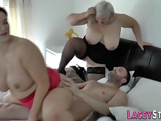 Granny rides dick and face in threeway