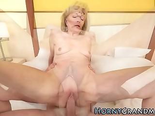 Granny plowed by shlong