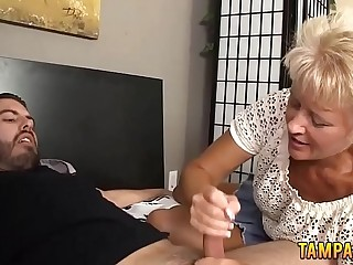 Granny Gives Perfect Hanjob With Cumshot
