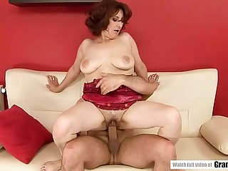 Mature woman who loves sex!  Lusty Grandmas