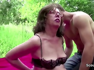Young Boy Seduce Grandpa to Fuck her Arse and Cum in Face