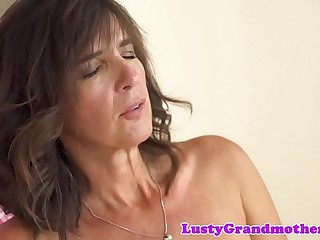 Mature women dickriding younger paramour