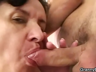 Granny tourist picked up for cock riding