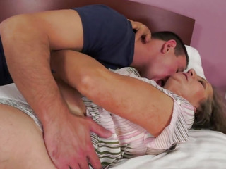 Granny gets her vintage pussy pounded by a younger man