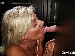 Gloryhole Secrets Aged goldenhaired shows off her years of