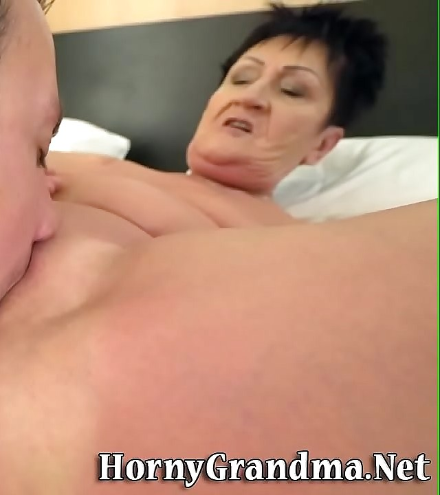 Old woman gets facehole jizzed