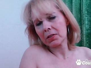 Nasty Granny Kolo Blond Fills Her Saggy Old Cunt With A Fat Fake penis