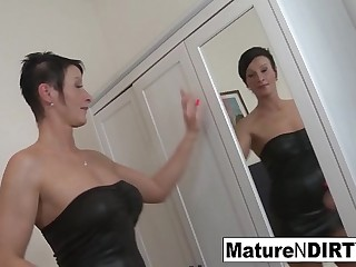 Brunette mature'_s nuts is so tight he cums inside her