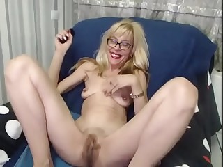 Hairy Granny with big Pussy on Cam