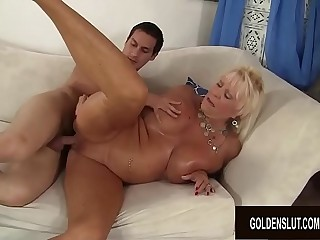 Busty Granny Mandi McGraw Pleasures Youthfull Lover with Gullet and Pussy