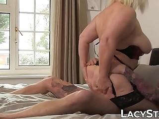 Nasty Lacey Starr slurps big shaft before penetration