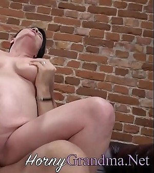 Big-titted old cougar rides