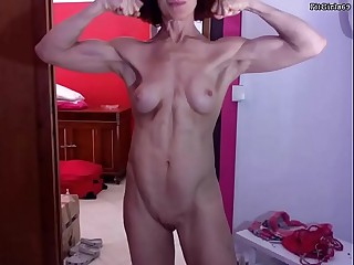 Athletic GILF Showcasing Her Beautiful Muscles