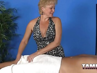 Mature masseur gives amazing handjob