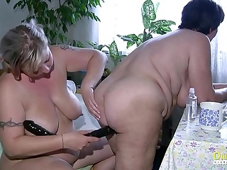 OldNannY Plumper Mature Lesbians Playing Together