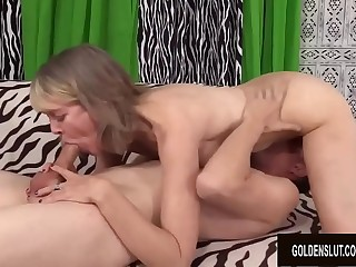 Light-haired British GILF Jamie Foster Has Her Shaved Pussy Porked